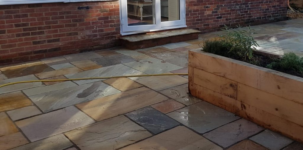 Things to consider before hiring a landscaping company in reigate