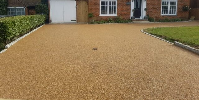 4 Practical reasons for hiring professional landscapers for driveways in surrey