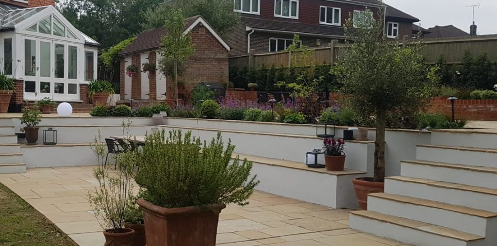 Questions to ask before hiring a landscaping company in guildford